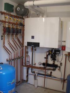 Buderus Wall Hung High Efficiency Condensing Boiler with Multi-Zone Heating System