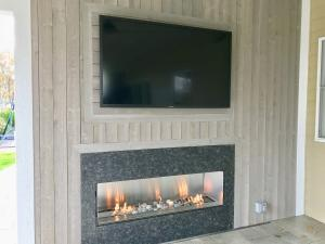 TV with Gas Fireplace